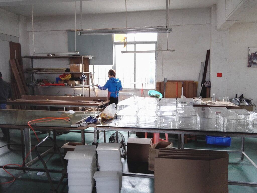 acrylic displays manufacturer Handcraft Workshop