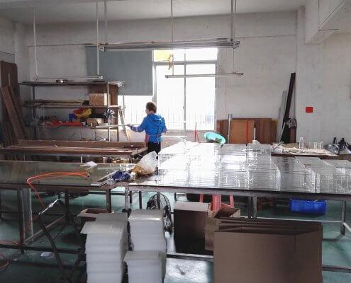 acrylic displays manufacturer Handcraft Workshop