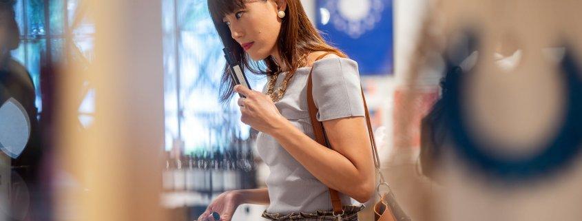 pop displays catch customer's attention