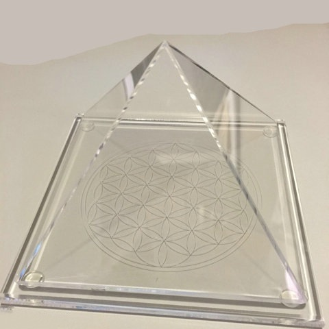 solid triangle jewelry display CY 1111 1