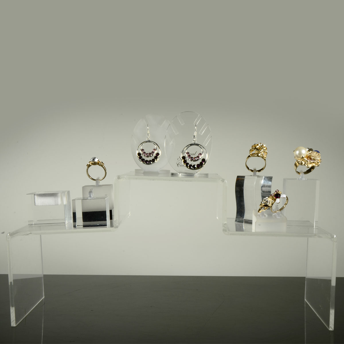 acrylic ring display cube jewelry store fixtures
