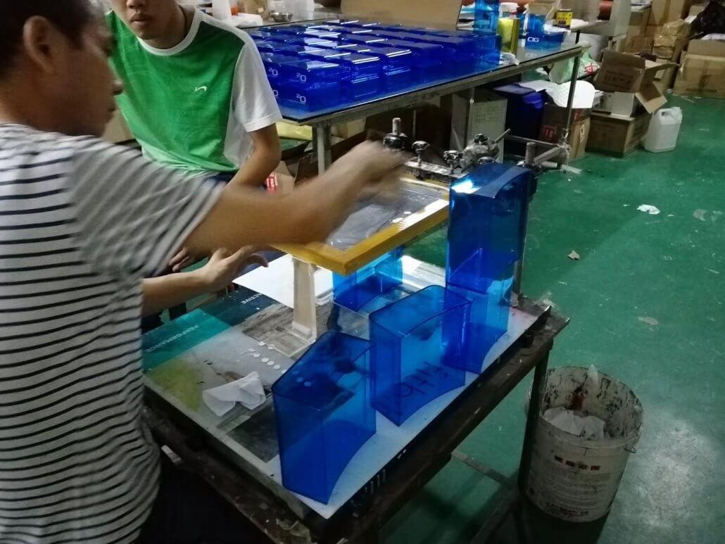 Chinov Display's producing new custom acrylic displays