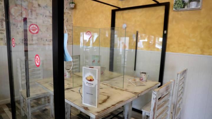 Plexiglass Shield For Dinning Table