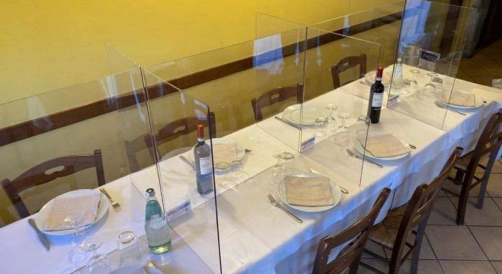 Restaurant Tabletop Plexiglass Sneeze Guard
