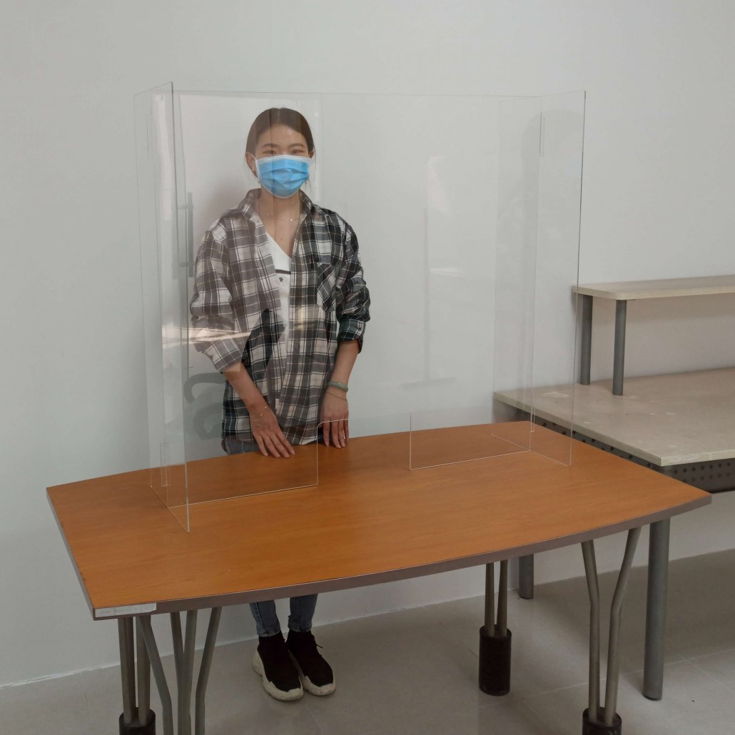 countertop sneeze guard plexiglass shields